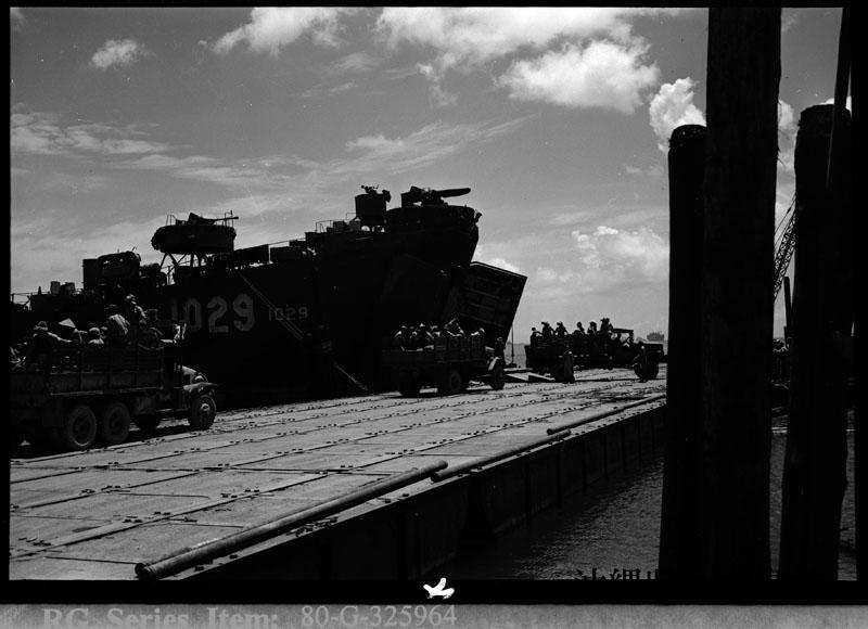 http://www.archives.pref.okinawa.jp/USA/107-36-1.jpg